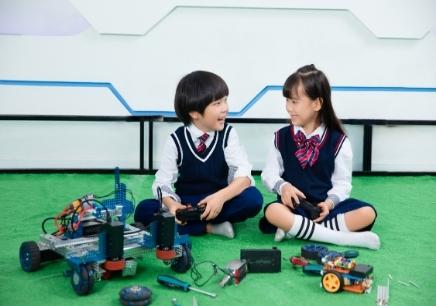 童程童美智能机器人编程培训班