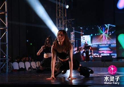 广州水灵子酒吧领舞课程